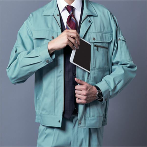 作業服の機能性 デカポケット