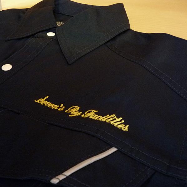 【ブラック×黄色】ANDARE SCHIETTIの半袖シャツの刺繍加工